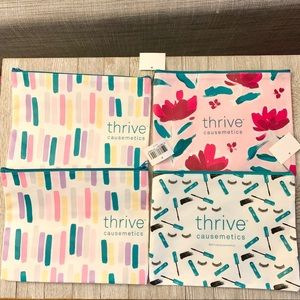 Bundle 4 Thrive Causemetics zip top bags NWT